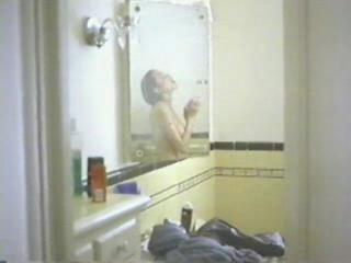 Angelina Jolie en la Ducha. Video Casero