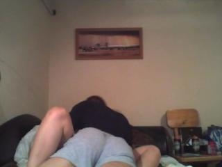Ella Pone su Webcam a Grabar para Follar con su Novio
