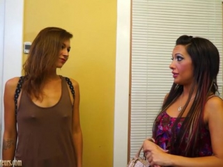 Chicas en Video Amateur... Casting, Masajes y Sexo Lésbico con Mirón