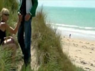 Impresionantes Escenas de Parejas Reales en la Playa