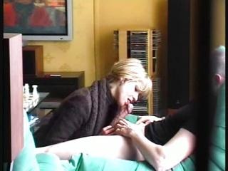 El Marido Pilla a su Mujer Chupándosela a su Propio Hijo