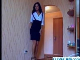 Secrecaria Caliente frente a su Webcam