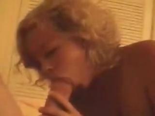Rubia Muy Sexy y Excitada Quiere Que la Penetre